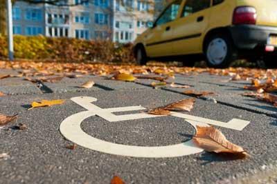 Штраф за парковку на месте для инвалидов в 2018 году какой предусмотрен кто может парковаться порядок эвакуации машины как оспорить