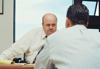 Что делать, если работодатель не отпускает на карантин в нерабочую неделю 📅?